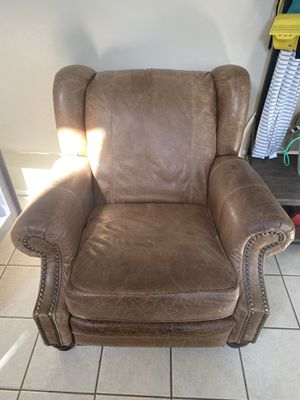 FREE LEATHER RECLINER for Sale in Murrieta, CA