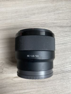 Sony 50mm f/1.8 lens E mount for Sale in Tampa, FL