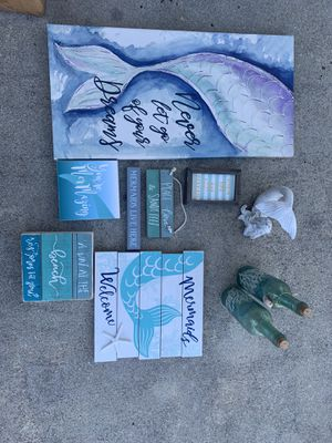 Mermaid decor ( SOLD TOGETHER) for Sale in Jacksonville, NC