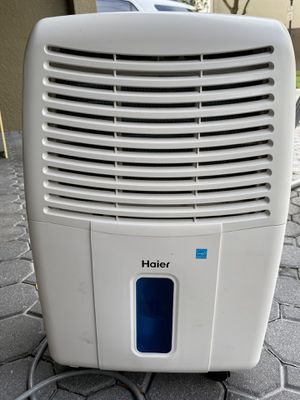 Haier Dehumidifier for Sale in Lutz, FL