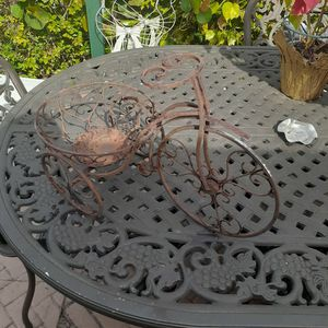 garden plant/pot holder tricycle for Sale in Hollywood, FL
