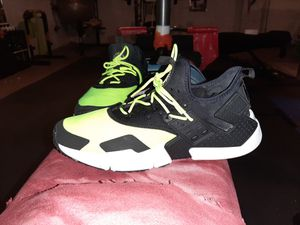 nike huarache size 10 for Sale in Edgewater Park, NJ