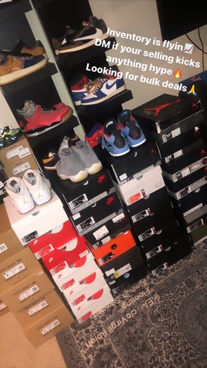 Looking to buy bulk deals any size anything hype🔥 Jordan's Nike adidas Yeezy etc for Sale in Bellevue, WA