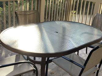 Outdoor table and four chairs for Sale in Atlanta,  GA