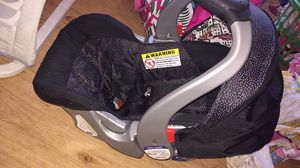 Baby girl car seat for Sale in Annapolis, MD