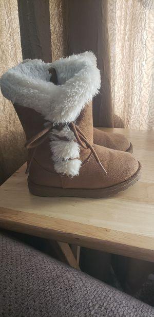 Toddler girl boots size 8 for Sale in Davison, MI