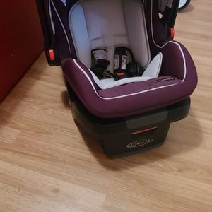 Car Seat Baby's Infant for Sale in Lakeland, FL