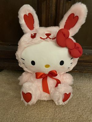 BRAND NEW WITH TAGS RARE COLLECTIBLE ADORABLE SANRIO LARGE BLUSHING HELLO KITTY PINK HEART BUNNY!! for Sale in San Diego, CA