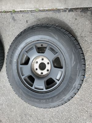 "17"" CHEVY SPARE RIM AND TIRE 265 70 17 for Sale in Rancho Cucamonga, CA"