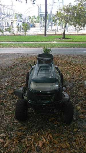 Bolens Mtd Lawn Tractor lawnmower for Sale in Miami, FL