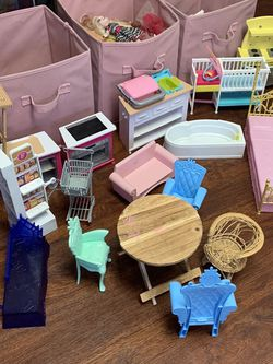 Barbie doll lot. House, Castle, Accessories And More for Sale in Maple Valley,  WA