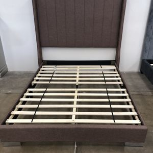 Queen Size Bed Frame Brand New for Sale in Phoenix, AZ