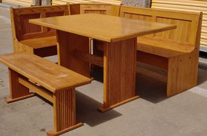 Breakfast Dining Nook/Kitchen Table for Sale in Lakewood, CO