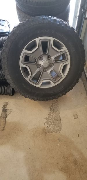 Jeep Wheel & Tire for Sale in Converse, TX