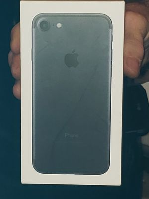 iPhone 7 32gb brand new for Sale in Eugene, OR