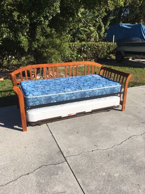 Wooden Daybed & Trundle DELIVERY AVAILABLE 🚗 for Sale in Barefoot Beach, FL