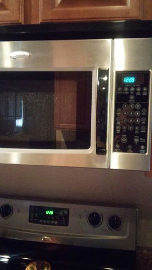 Built-in micro Whirlpool Gold Series for Sale in Sun City, AZ