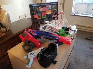 Kids guns, indoor Basketball hoop,Video games, Virtual Reality Viewer $ 9.99 for Sale in Seattle, WA
