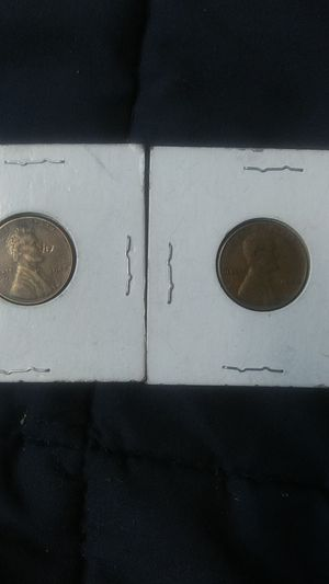 1942 Lincoln wheat penny no mint mark 1946 Lincoln wheat penny no mint mark for Sale in Wichita, KS