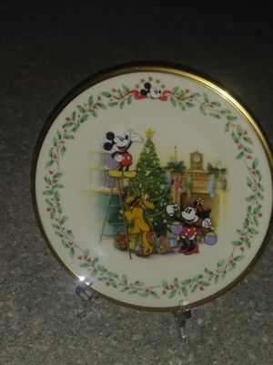 Mocleu mouse christmas display plate for Sale in Port St. Lucie, FL
