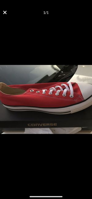 Red converse low top for Sale in Aliso Viejo, CA