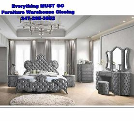 King bedroom set. Must Go for Sale in Queens,  NY