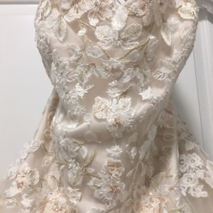 Wedding Dress for Sale in Baltimore, MD