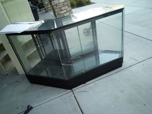 Free display for Sale in Ontario, CA