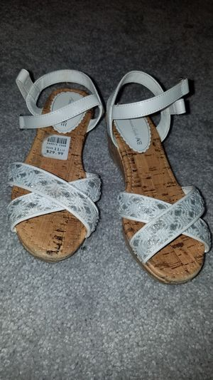 Girls size 11.5 white glitter fancy sandals for Sale in Manassas, VA