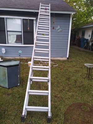 32 foot Werner extension ladder for Sale in Houston, TX