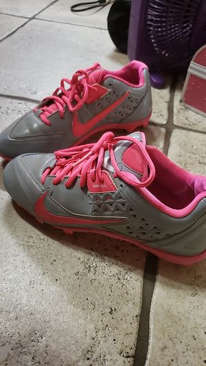 Used 9.5 Nike cleats pink and grey $39 obo for Sale in Phoenix, AZ