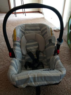 Graco Snugride 30 Infant Car Seat for Sale in Johnston, IA