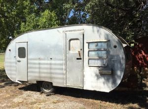 Vintage 1950's Yellowstone Aluminum Travel Trailer for Sale in Austin, TX
