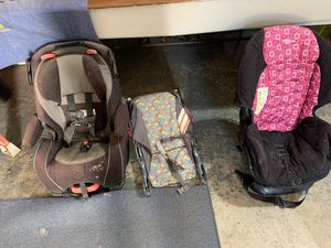 2 car seats and an umbrella stroller for Sale in Pataskala, OH