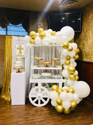 Candy cart, balloons decoration,sweets table, baptism party for Sale in Sterling Heights, MI