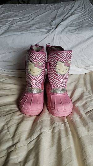 Hello Kitty Snow Boots Size 11/12 for Sale in Enumclaw, WA
