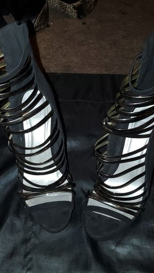 Suede black silver strap Speed Limit 98 heels - size 8 1/2 for Sale in Las Vegas, NV
