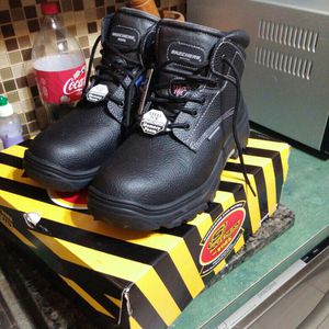 Brand New Skechers Size 12 Wide Fit Steel Toe Work Boots Never Used for Sale in Miami, FL
