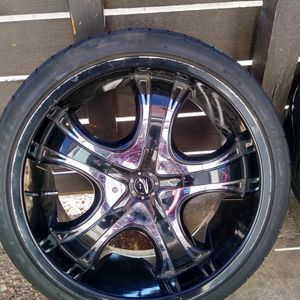 20 Inch Platinums 5 Lug Universal for Sale in Arvada, CO