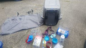 Dog crate with accessories for Sale in Puyallup, WA