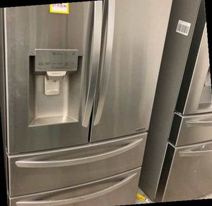 LG 27.8 Cu. French Door Refrigerator Lmxs28626s 27.8 Cu. Ft BNX for Sale in Houston, TX