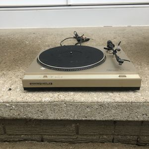 Marantz turntable for Sale in Brunswick, OH
