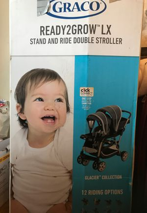 Graco Ready2Grow LX Double Stroller and a free Baby seat for Sale in Edison, NJ
