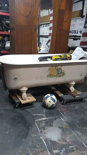 Old clawfoot tub for Sale in Sacramento, CA
