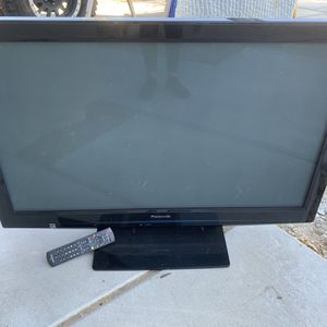 Panasonic Tv Plus Remote -not a smart Tv for Sale in Goodyear, AZ