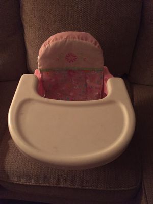 Pink portable high chair & booster seat!🌸 for Sale in Penn Valley, PA