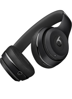 Like new wireless Beats Solo 3 with apple W1 chip for Sale in Renton, WA