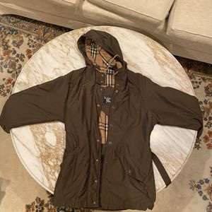 Burberry Winter Coat Size Medium for Sale in Marshfield, MA