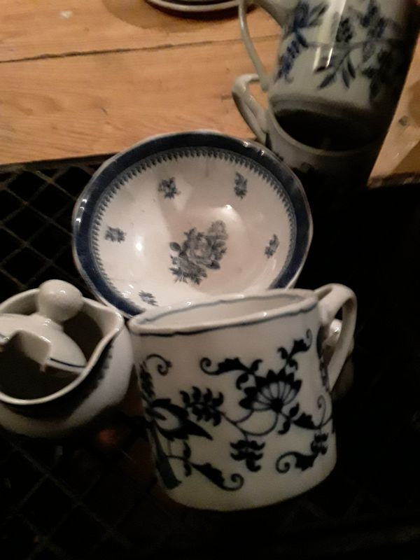 George Town Collection with Blue Danube cups