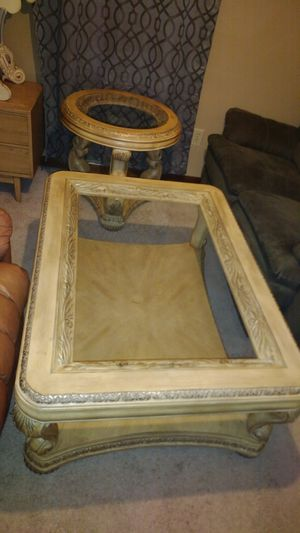 Two piece antique furniture set for Sale in Lilburn, GA